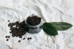 Homemade-coconut-coffee-body-scrub-6